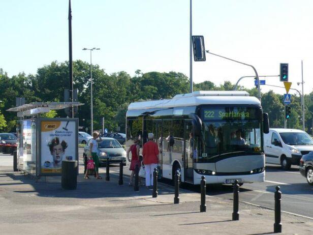 Elektryczny autobus na linii 222 MZA
