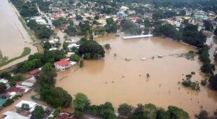 Powódź w Hondurasie po przejściu huraganu Jota (PAP/EPA/Jose Valle)