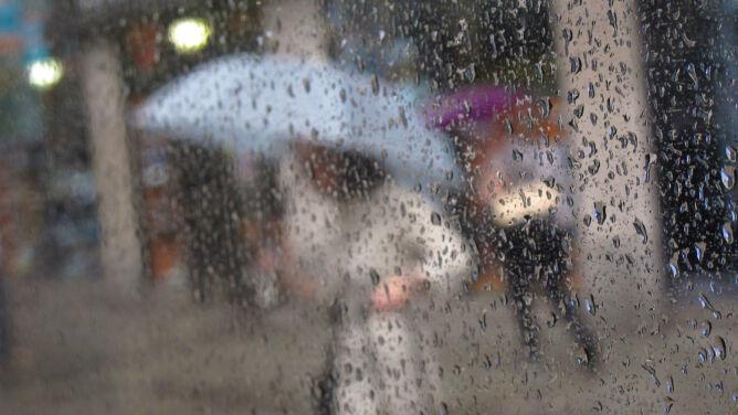 Prognoza pogody na dziś: <br />przeplatanka deszczu ze śniegiem
