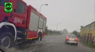 Trudne warunki pogodowe we Władysławowie (Kontakt 24/adbi321)